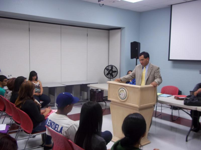 Raymundo Rojas speaks at an immigration forum.